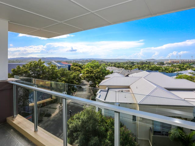 4030/3027 The Boulevard, Carrara, Qld 4211