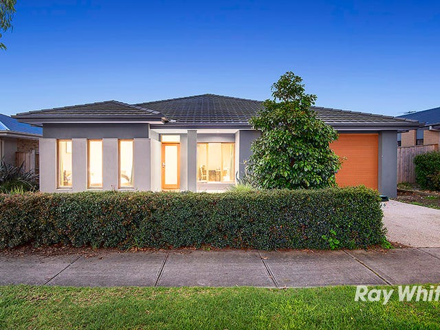 16 Nature Circuit, Cranbourne North, Vic 3977