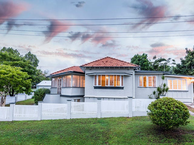 26 Pampling Street, Camp Hill, Qld 4152