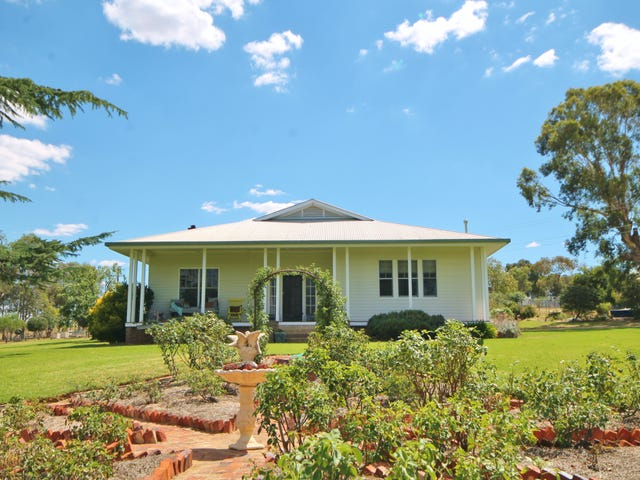 40 Tout Place, Young, NSW 2594