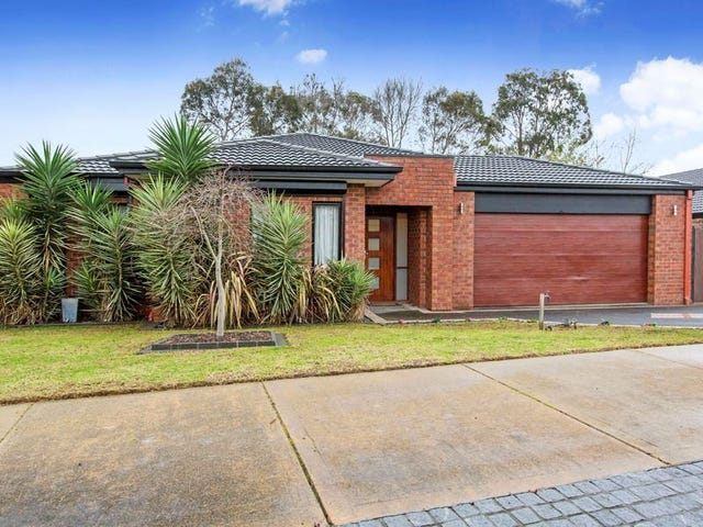 11 Trafalgar Square, Mount Martha, Vic 3934