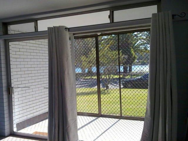1/40 Murlong Crescent, Palm Beach, Qld 4221