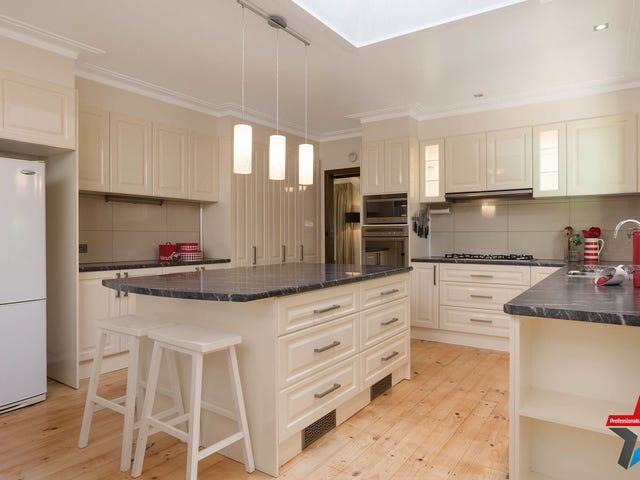 10 Doreen Court, Montrose, Vic 3765