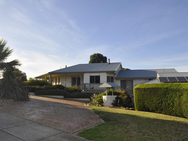 1-3 Oxford Street, Drouin, Vic 3818