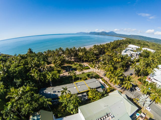 "2/5 The Esplanade ""Two On The Beach"", Port Douglas, Qld 4877"