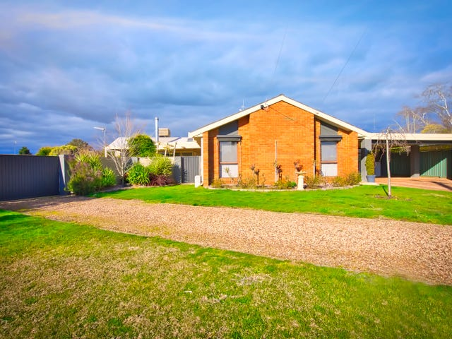 4 Earls Square, Delacombe, Vic 3356