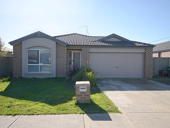 16 Greenhalghs Road, Delacombe, Vic 3356