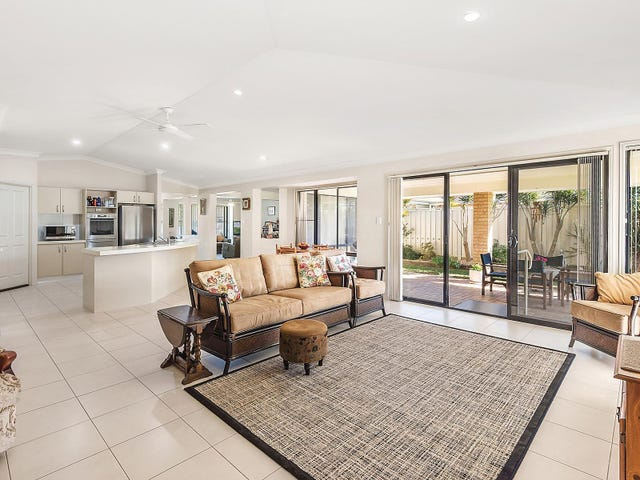 15 Braeroy Drive, Port Macquarie, NSW 2444