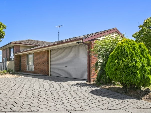10 Mandlay Close, Leopold, Vic 3224