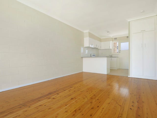 2/16 Buckle Crescent, West Wollongong, NSW 2500