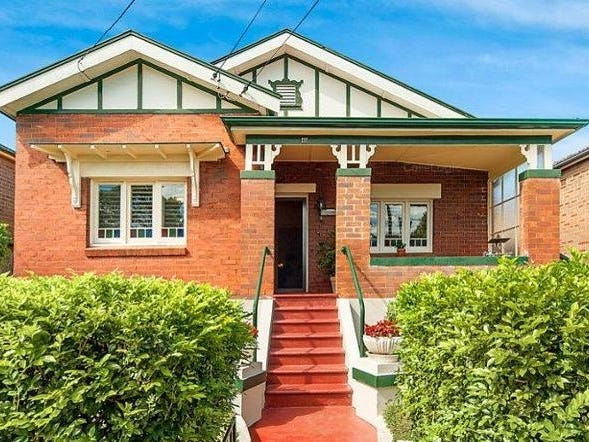 111 Hampden Road, Russell Lea, NSW 2046