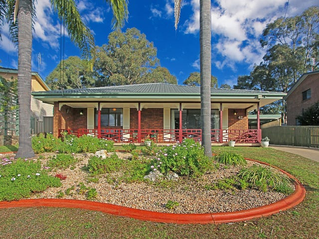 42 Calga Crescent, Catalina, NSW 2536