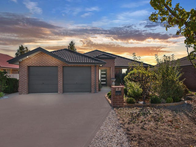 29 Hutchison Circuit, Crestwood, NSW 2620