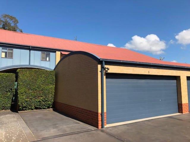 69-73 LINDSAY STREET, Hamilton, NSW 2303