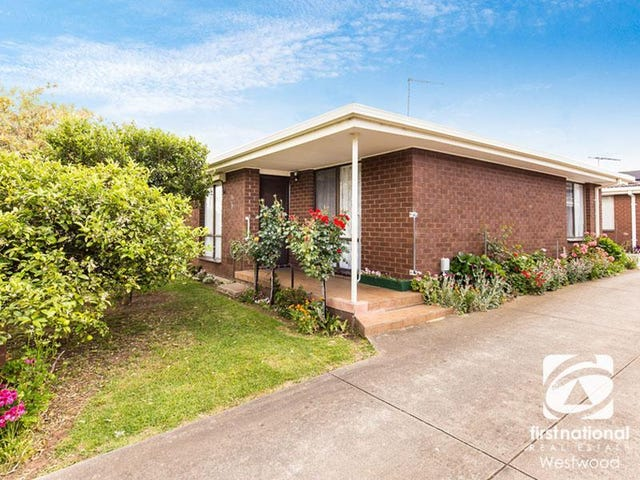 2/13 Hogan Grove, Werribee, Vic 3030