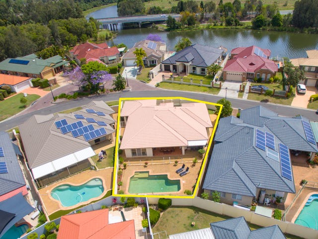 37 Martingale Circuit, Clear Island Waters, Qld 4226