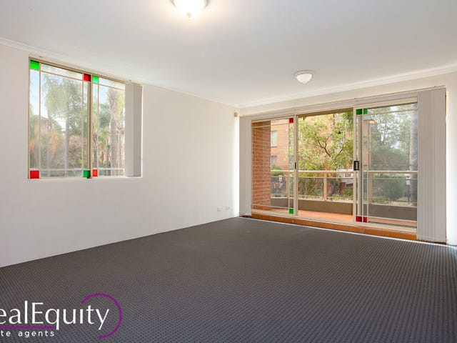 1/6 Mead Drive, Chipping Norton, NSW 2170