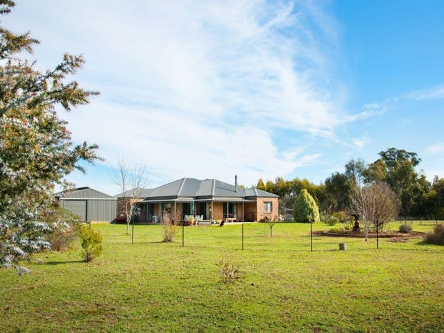 60 Foxes Road, Daylesford, Vic 3460