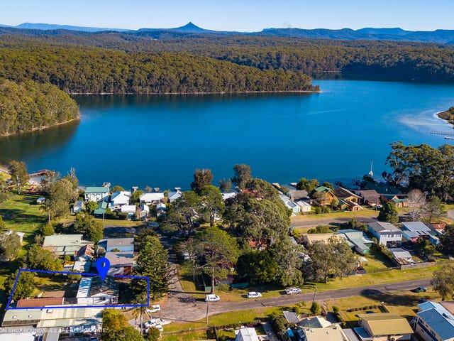 18 George Street, Burrill Lake, NSW 2539