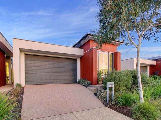 33 Oceanic Drive, Safety Beach, Vic 3936