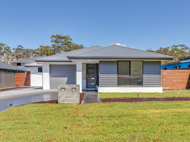 16 Tuckeroo Circuit, Fern Bay, NSW 2295