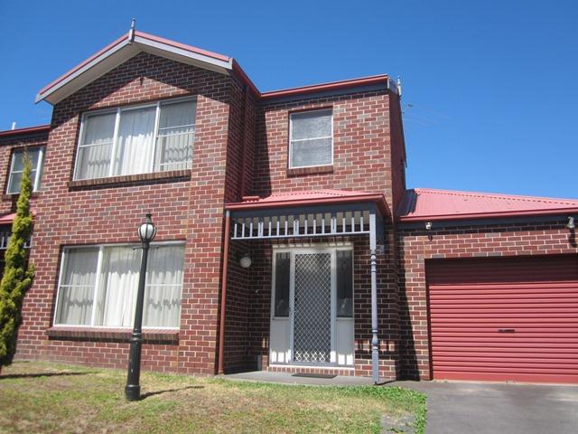 2/17 Alexandra Avenue, Geelong, Vic 3220
