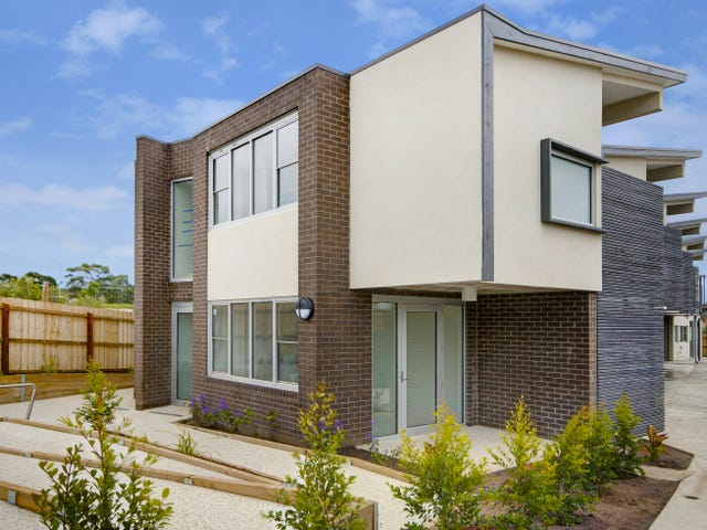 13/4 Ficinia Mews, Highton, Vic 3216