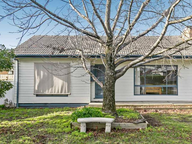 25 Piperita Road, Ferntree Gully, Vic 3156