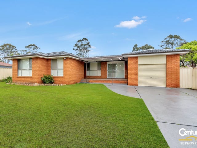 13 Sandringham Street, St Johns Park, NSW 2176