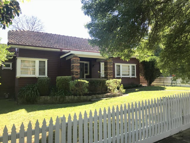 2 Menzie Grove, Eaglemont, Vic 3084