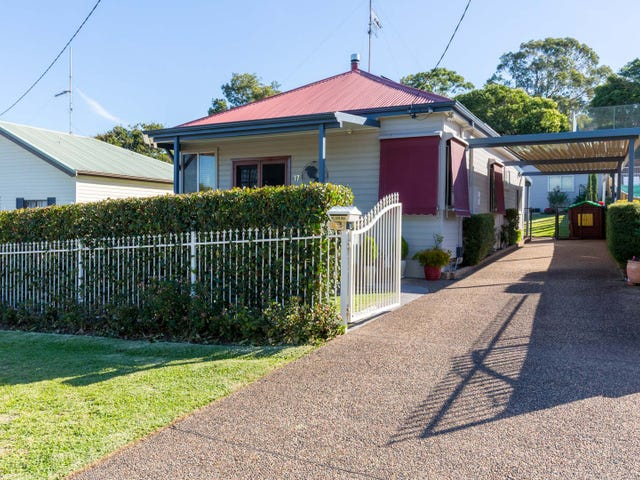 17 Fairfax Road, Warners Bay, NSW 2282