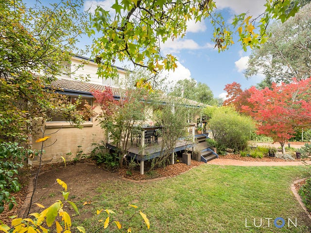4 Tivey Place, Hughes, ACT 2605