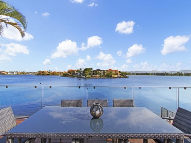 60 Montevideo Drive, Clear Island Waters, Qld 4226