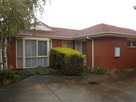 2/10 Glen Road, Glen Waverley, Vic 3150