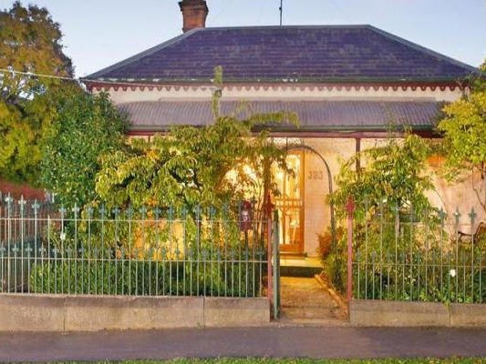 323 Armstrong Street, Soldiers Hill, Vic 3350
