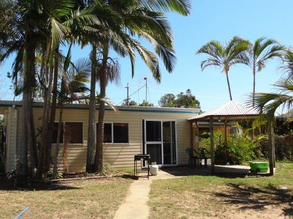 32 EDMONDS STREET, Bucasia, Qld 4750