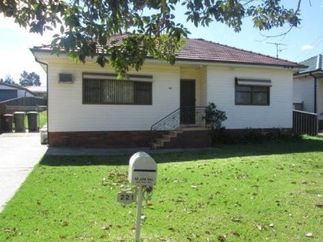 221 Carpenter Street, St Marys South, NSW 2760