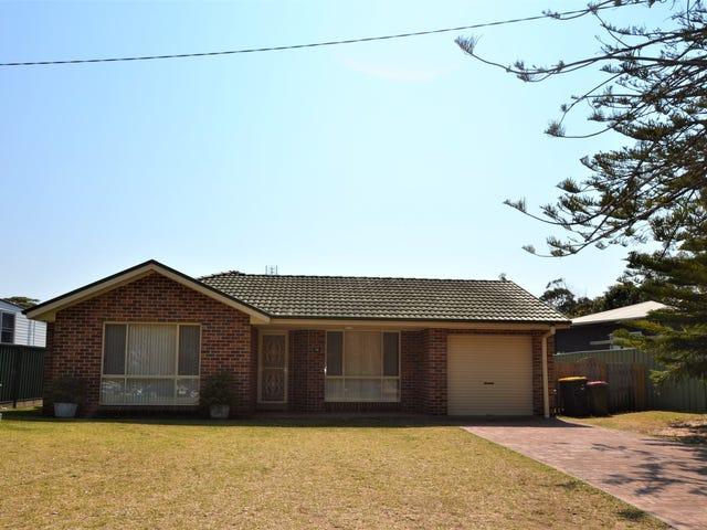 38 McIntosh Street, Shoalhaven Heads, NSW 2535