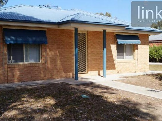 2/62 Hotham Circuit, Thurgoona, NSW 2640