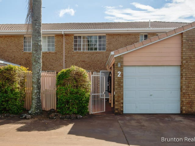 2/9  Amber  Court, Darling Heights, Qld 4350