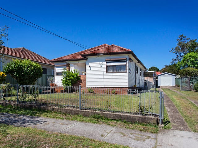 4 Salt Pan Road, Peakhurst, NSW 2210