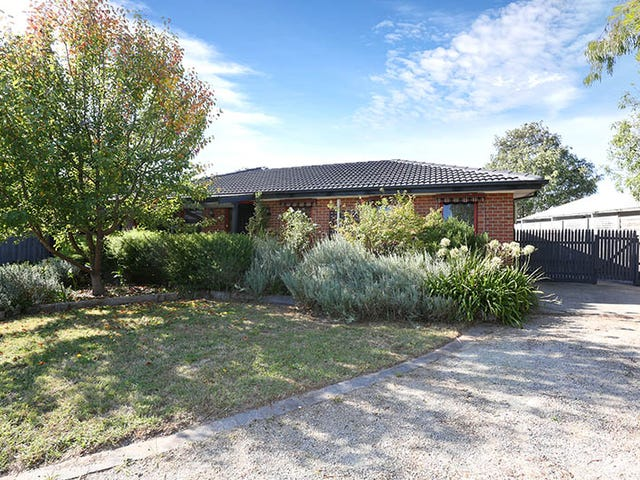 11 Spruce Drive, Rowville, Vic 3178