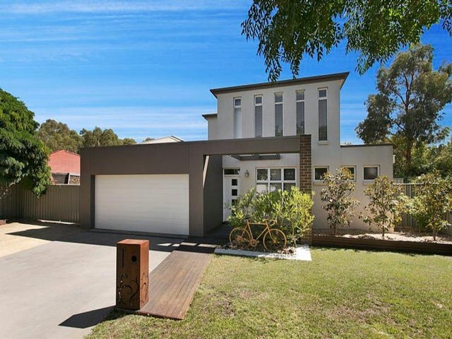 4 Parkdale Close, White Hills, Vic 3550