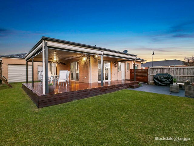 35 Yorkshire Drive, Cranbourne North, Vic 3977