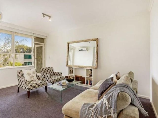 8/2 Celeste Court, St Kilda East, Vic 3183