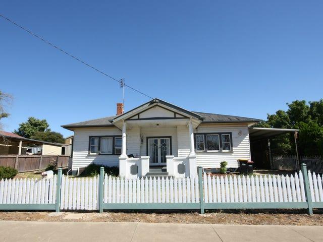 16 Navarre Road, St Arnaud, Vic 3478