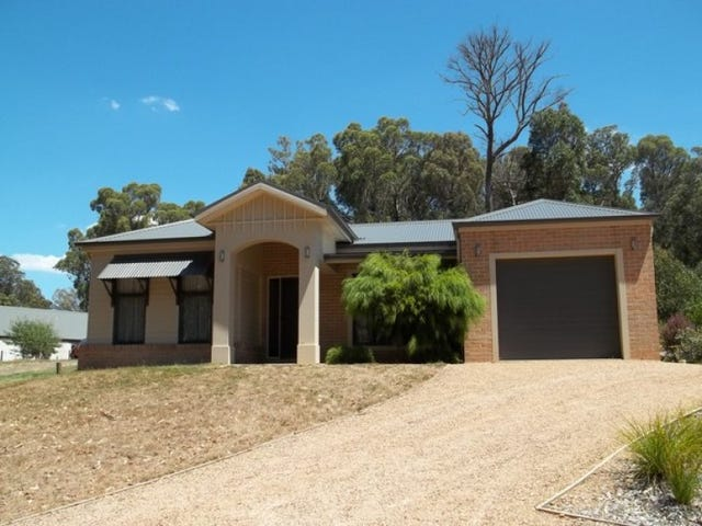 57 WHITTLESEA-KINGLAKE ROAD, Kinglake, Vic 3763