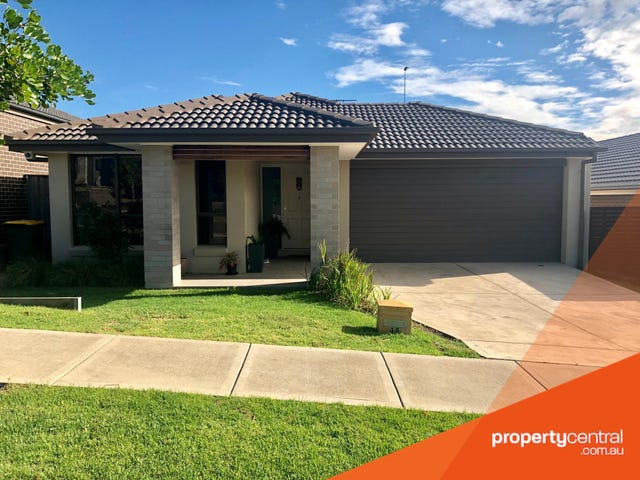 19 Ewan James Drive, Glenmore Park, NSW 2745