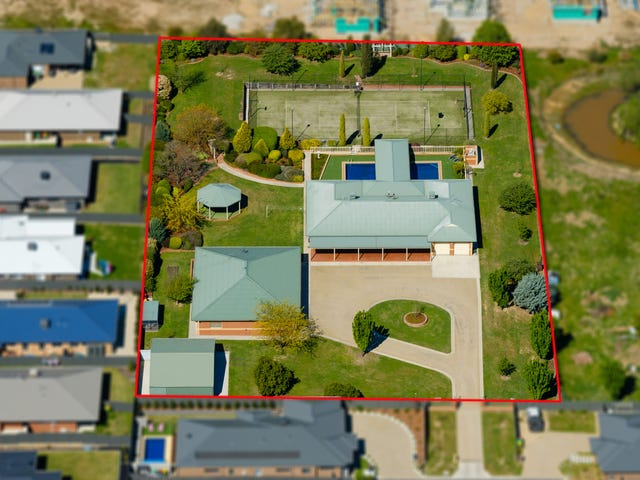16 Clearwater Place, Thurgoona, NSW 2640