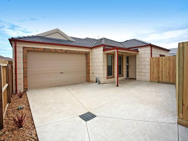 2/32 Blackheath Mews, Waurn Ponds, Vic 3216